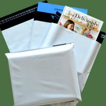 240mm x 320mm White Mailing Bags 70mu